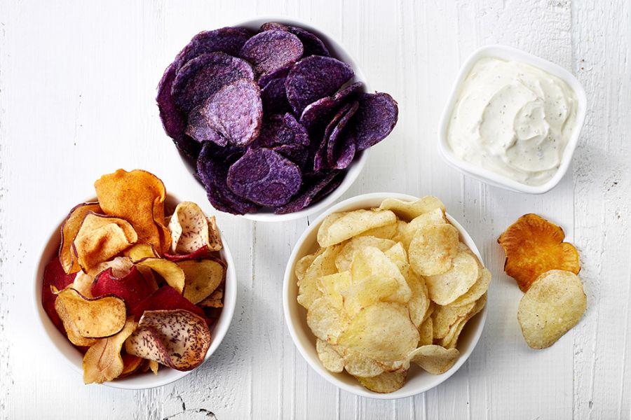 Чипсы из цветного картофеля