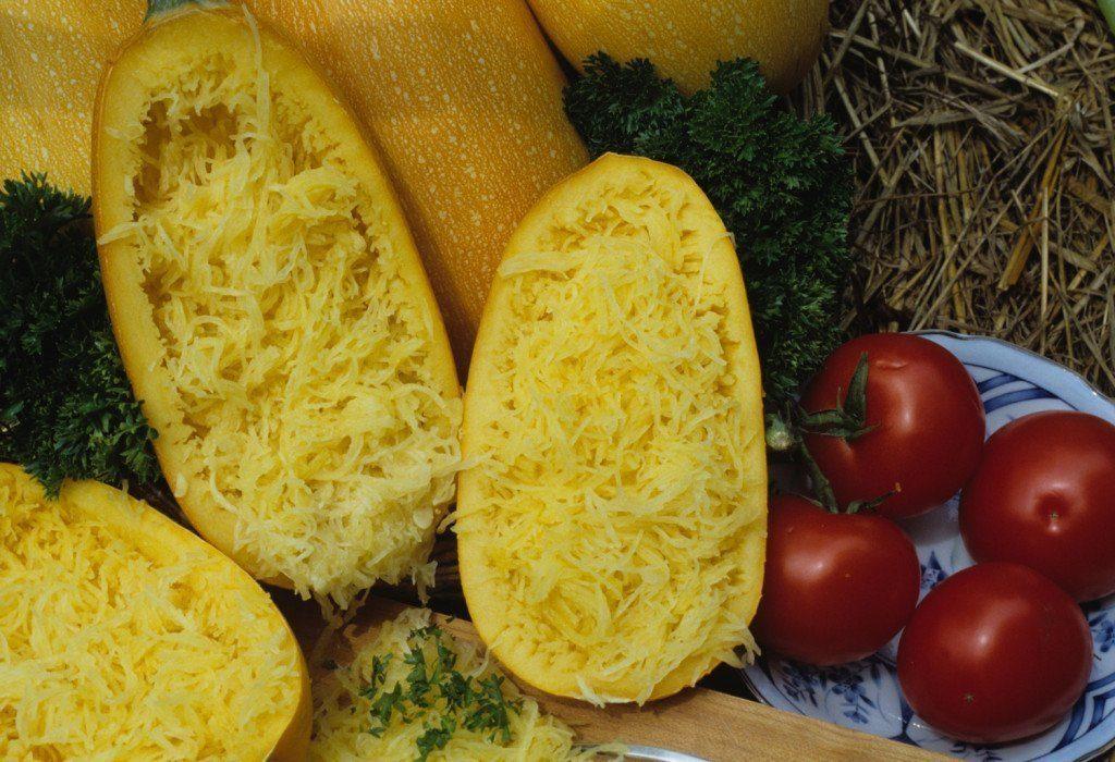 Созревшие кабачки сорта Спагетти равиоло