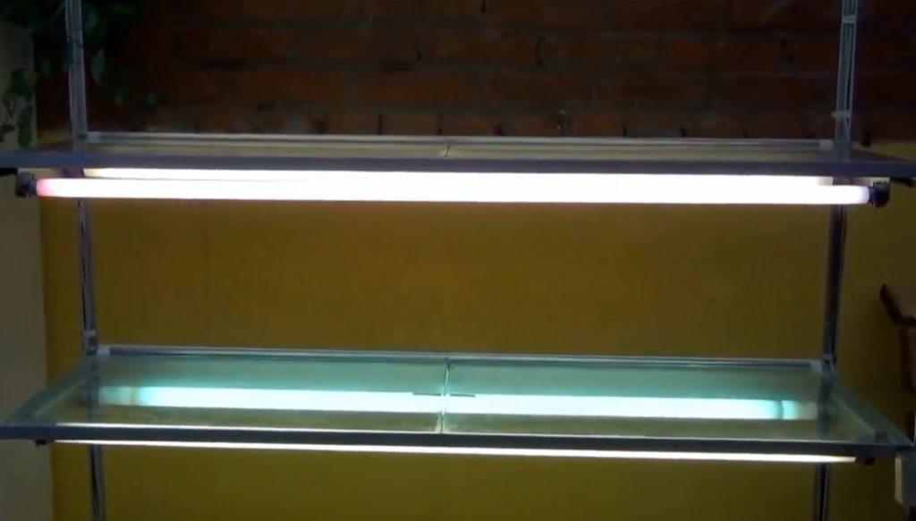 Освещение стеллажа лампами