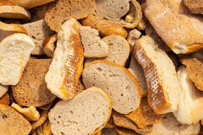 Сухари из белого хлеба