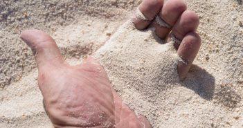 Доломитовая рука в ладони