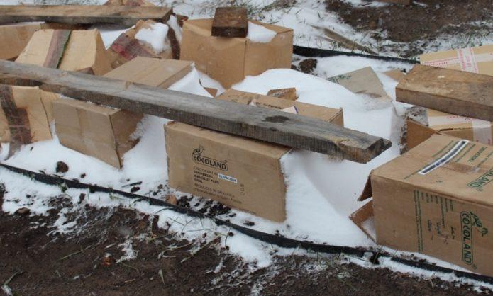 Укрытие коробками