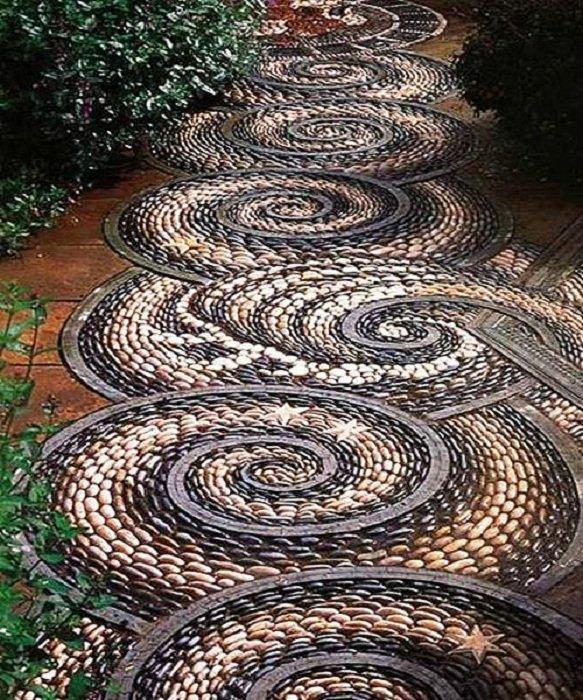 Дорожка из спиралей
