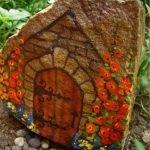 Домик из крупного камня