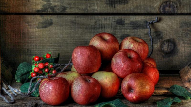 Как хранить яблоки в подвале с картошкой