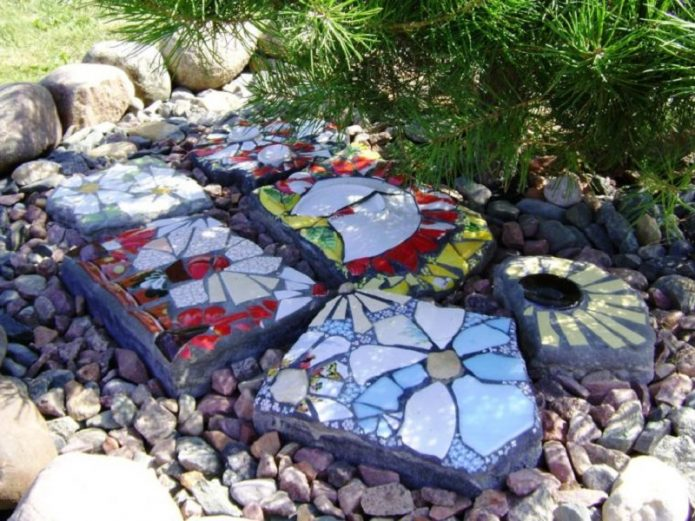 Бетонная плитка с керамической мозаикой
