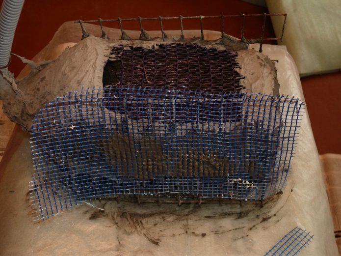 Укрепление крыльев лебедя фасадной сеткой