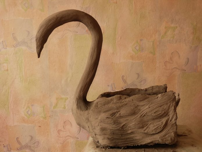 Кашпо-лебедь до покраски