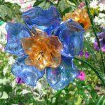 Прозрачный цветок из пластика