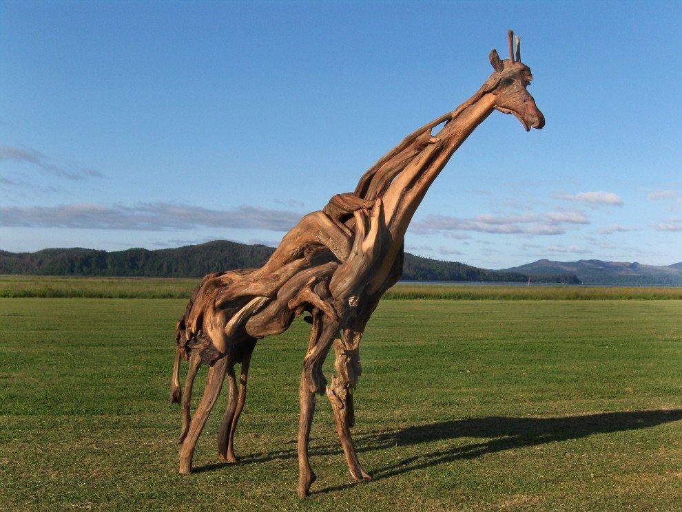 Жираф из коряг