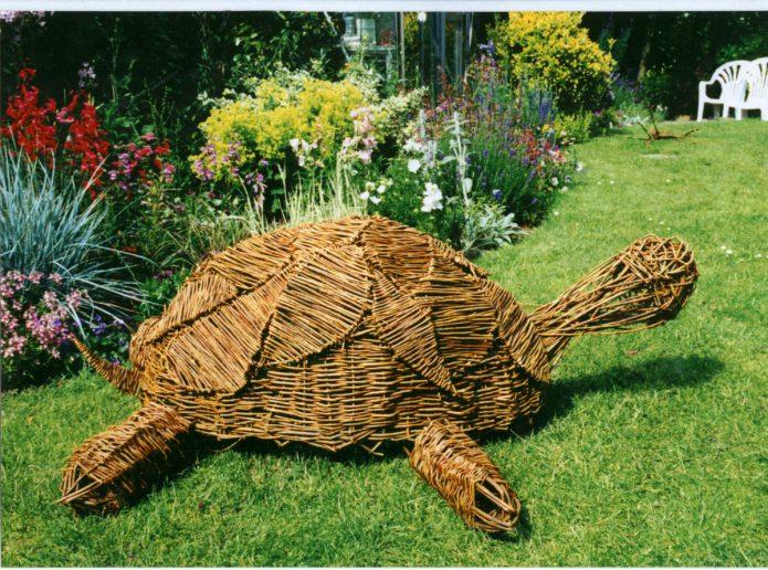 Черепаха из лозы