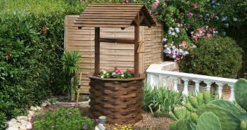 Декоративный колодец для сада
