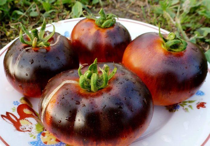 Плоды томата Крымский чёрный