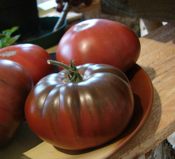 Плоды томата Шоколадный
