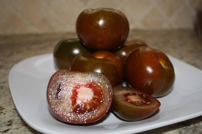 Плоды тёмноплодных томатов