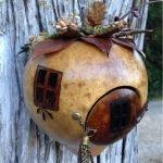 Дом-тыква на дереве