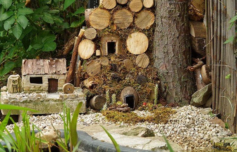 Вид миниатюрных домиков пробуждает в душе светлые воспоминания о детстве