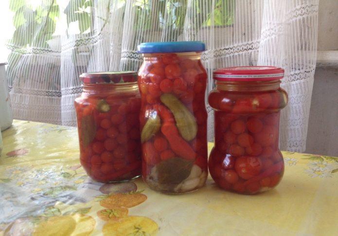 Консервированные помидорки