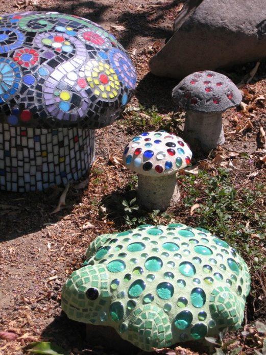Поделки-грибы из цемента