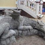 Цементный дракон для украшения придомовой территории