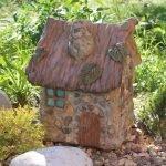 Цементный домик с натуральными камнями