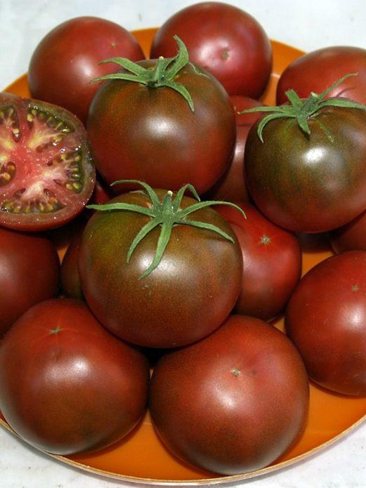 Плоды томата сорта Шоколадный