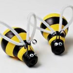 Пчёлки из лампочек