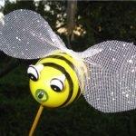 Пчелка с крыльями из сеточки