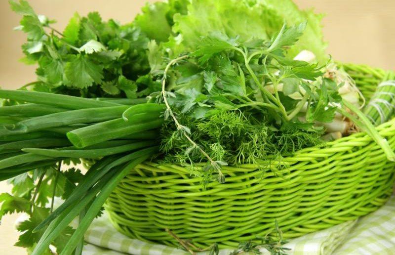 Зелень в корзинке