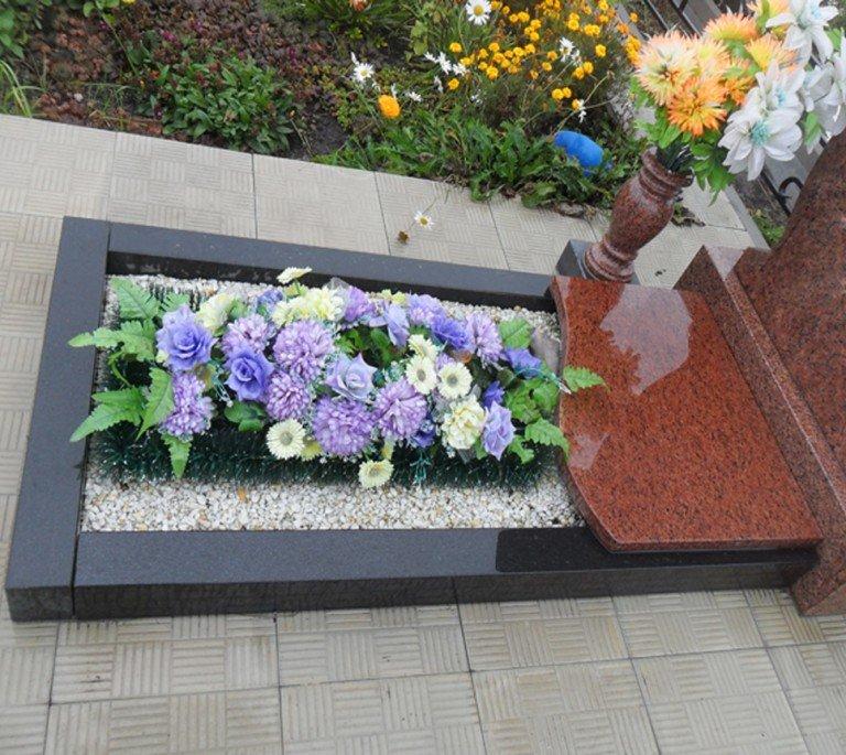 Какие цветы посадить на кладбище: обзор с фото и описаниями