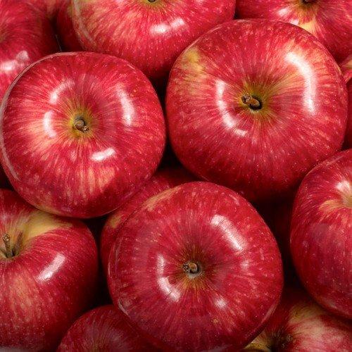 Спелые яблоки Мантет