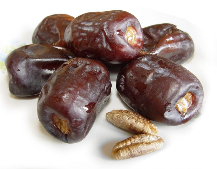 Сушёные плоды и семена финика