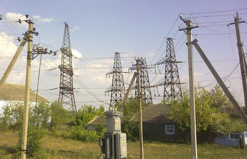 Высоковольтные линии возле жилых домов