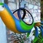 Фигура попугая на крюке