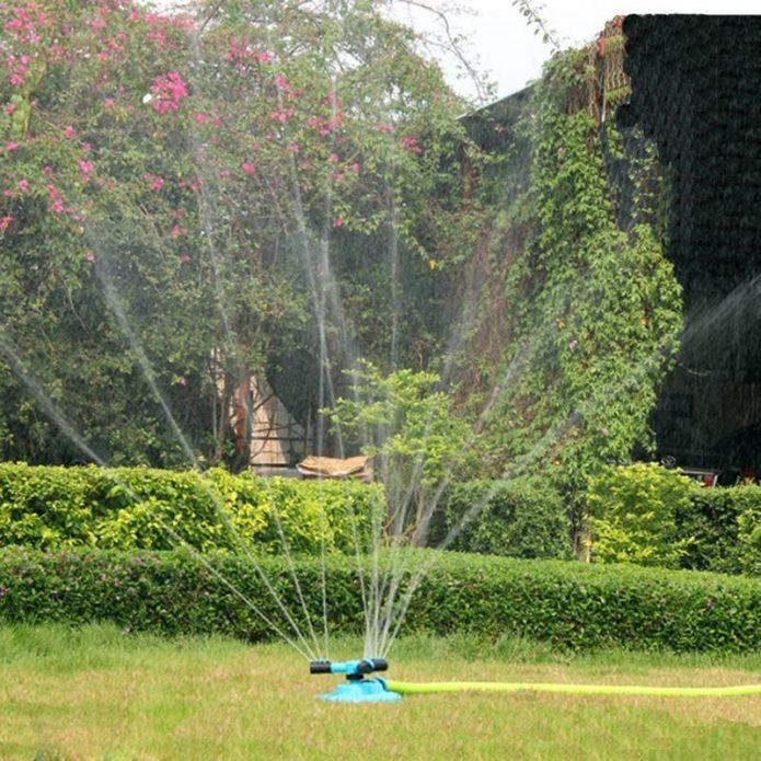 Защитное дождевание сада