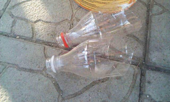 Лапки из бутылок