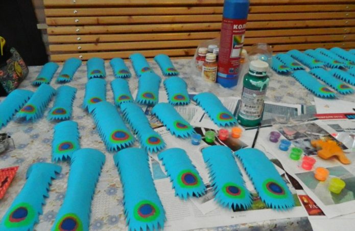 Покраска перьев