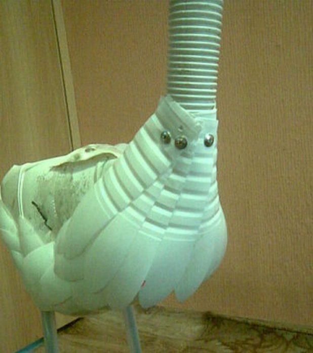 Прикручивание перьев к шлангу-шее