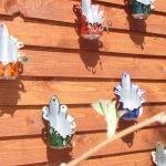 Вазоны для цветов на стену из жестяных банок