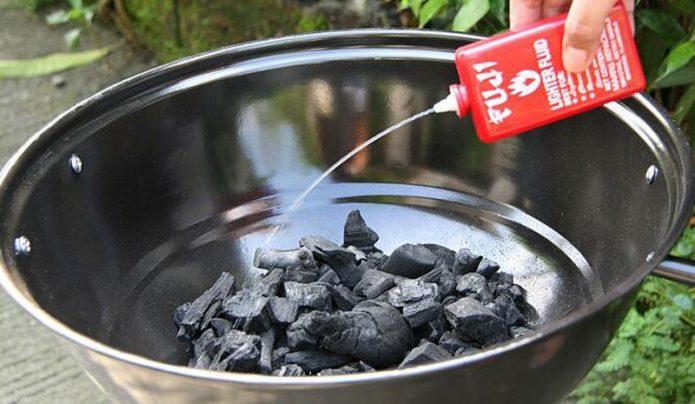 Использование жидкости для розжига