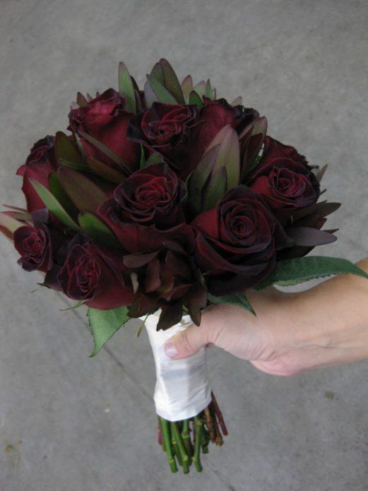 Букет роз Чёрный принц