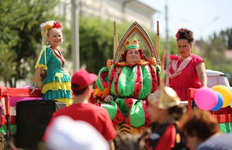 Участники Арбузного фестиваля в Камышине