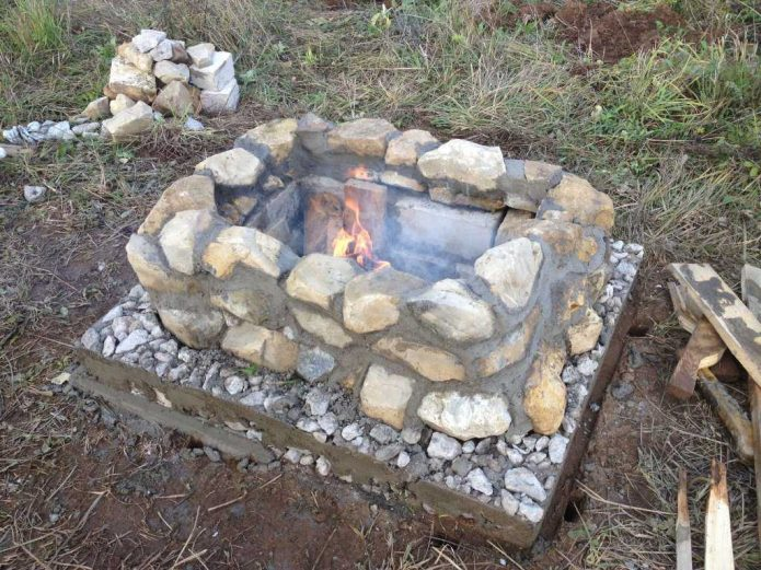 мангал из камня и цемента