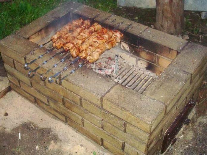 мангал из огнестойкого кирпича