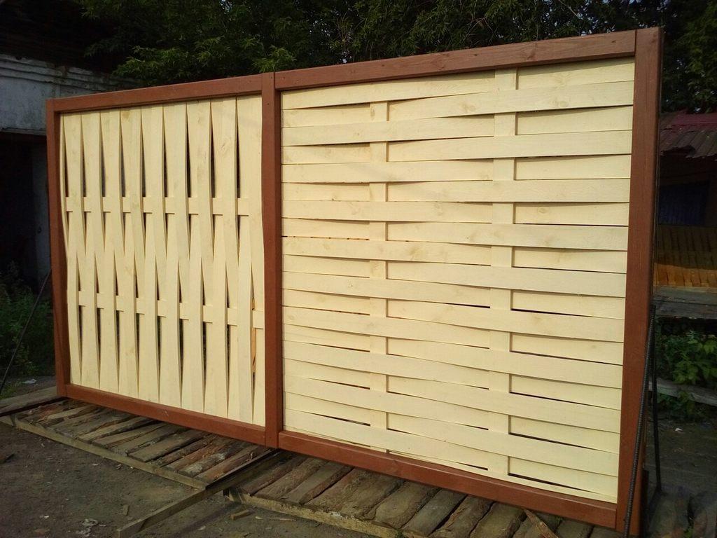 Забор с разным типом плетения