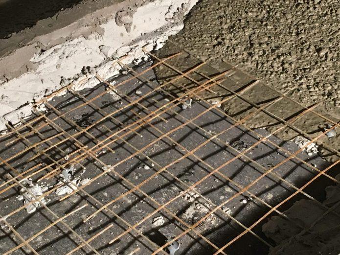 Армирующая сетка на основании для бетонного пола
