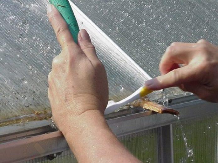 Обработка кромок сотового поликарбоната