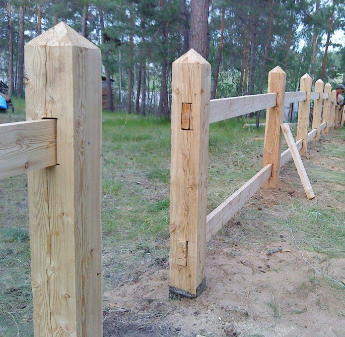 Деревянные опоры под столбы