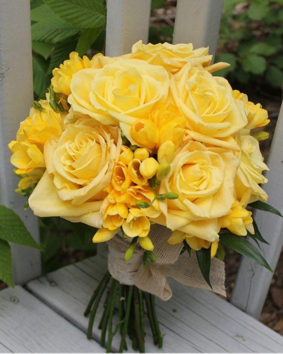 Букет невесты из жёлтых роз