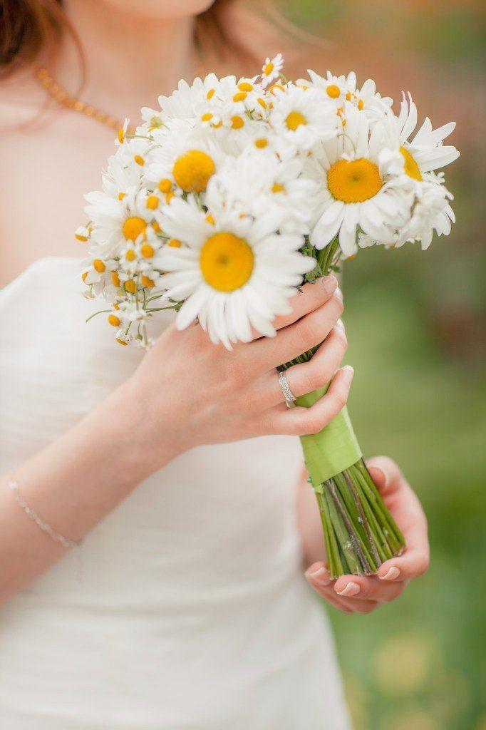 Свадебный букет ромашек спб